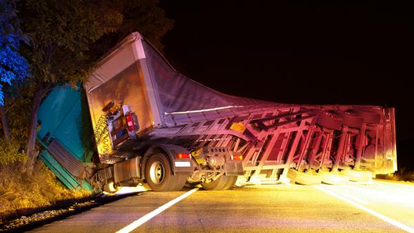 SMID-Kecelakaan Bus Dan Truk Di Tol Semarang-Solo
