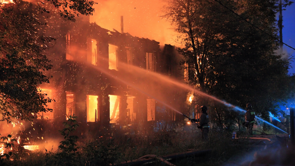 Toko Plastik Kebakaran, Diduga Satu Korban Terjebak