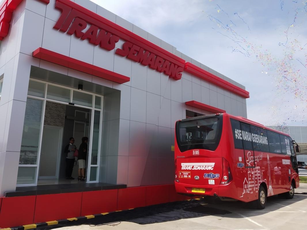 BRT Beropasi Lewati Jalur Pengalihan