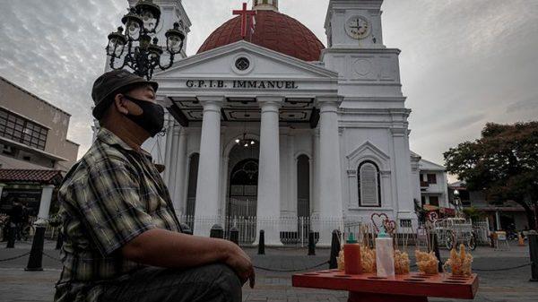 Taj Yasin Wakil Gubernur Jateng, Borong Dagangan Pedagang Kaki Lima Terdampak PPKM